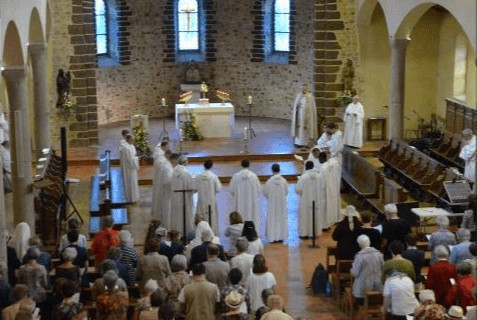 Le festival de la fête Dieu au prieuré de la Cotellerie